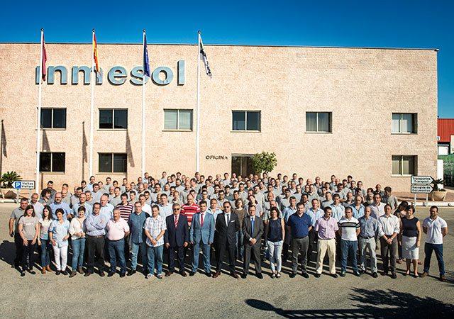 Belegschaft der Grupo Solano in den Anlagen von Inmesol