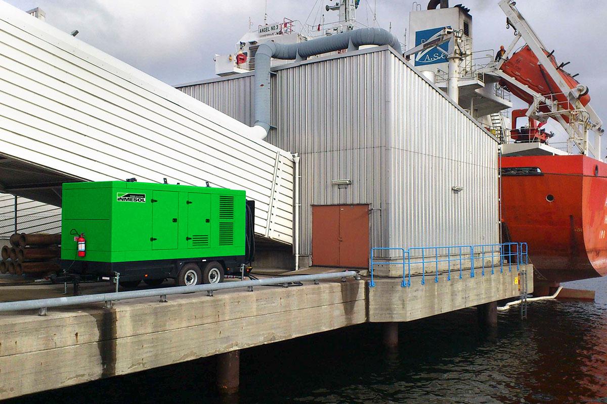 Stromaggregate in einer der Ports von Stockholm