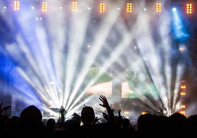 Stromaggregat - Aufführungen, Events und Promotionen organisieren - Bild: Daniel Robert