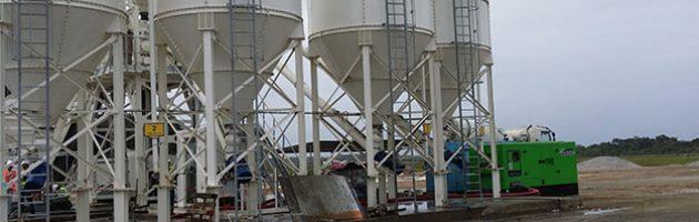 440 kVA LTP-Stromaggregat im Betonwerk im Raumfahrtzentrum Guayana