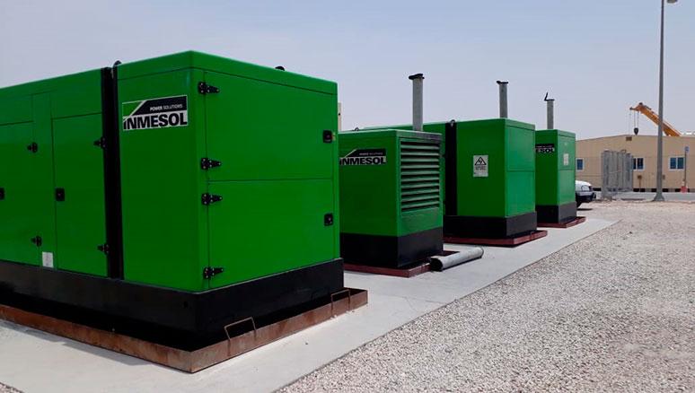 INMESOL-Stromaggregate liefern 24 Stunden am Tag Energie für den Bau des Stadions